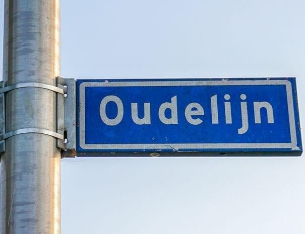 wegwijzer van de straat Oudelijn in Tilburg
